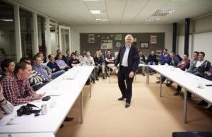 Bleiswijk, 10 maart 2014 - Bijeenkomst Jongeren Oostland en Interpolis Agro over magen van bedrijfsrisico's. Foto: Phil Nijhuis
